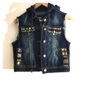 NWT Rue 21 Size S - Jean Aztec Print Vest